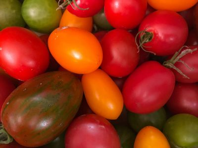 Red cherry tomatoes close-up fresh free image download